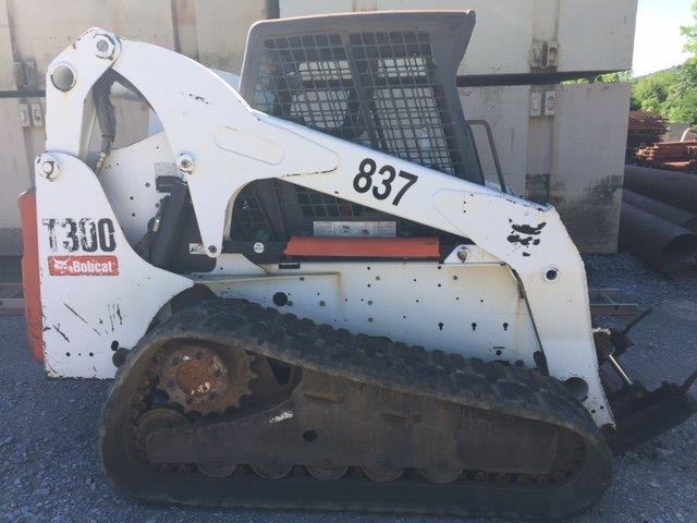 2009 Bobcat T300