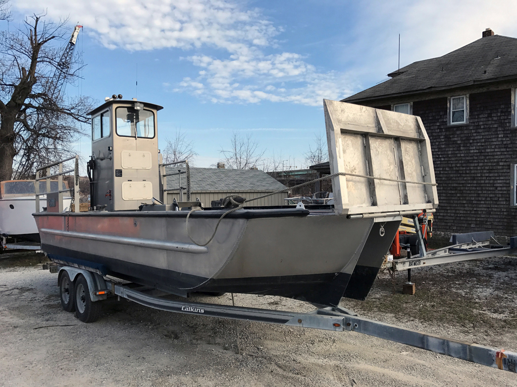 1997 140 Inland Harbor Skimmer Vessel