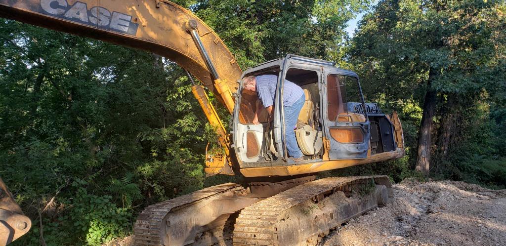 2005 Case CX210